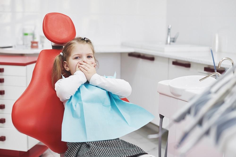 Cómo abordar el miedo al dentista en los niños