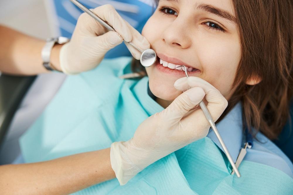 ¿Cómo afectan los dulces a la salud dental de los niños?